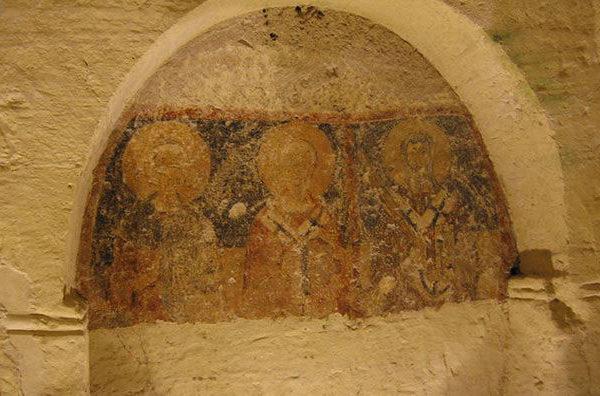Cripta della chiesa di San Salvatore